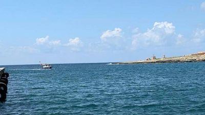 Migranti, nave a Pozzalo sequestrata
