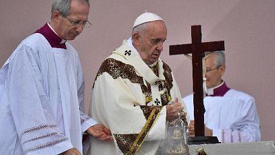 Papa, no a corruzione come prezzo aiuti
