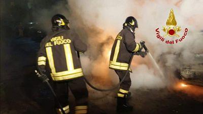 A fuoco auto vicesindaco nell'Oristanese