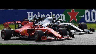 F1: Ferrari Leclerc davanti a metà gara