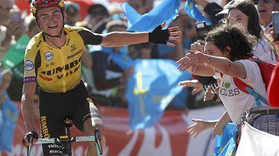 Vuelta: Kuss sorride insieme a Roglic