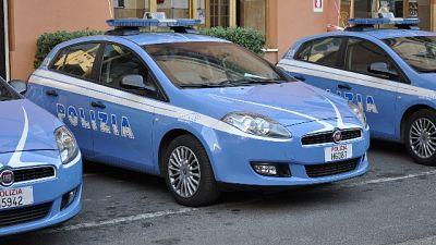 18enne trovata impiccata in parco a Roma