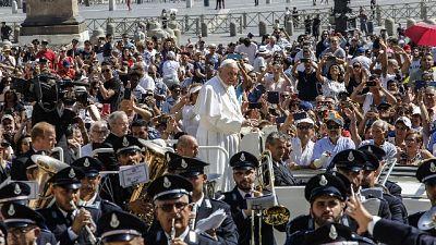 Papa:basta ergastolo e carceri affollate