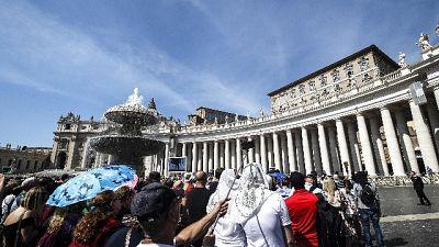 Prete a processo per abusi in Vaticano