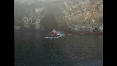 Acquascooter in grotte Polignano, multe