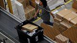 Drop in online shopping knocks UK retail sales in August