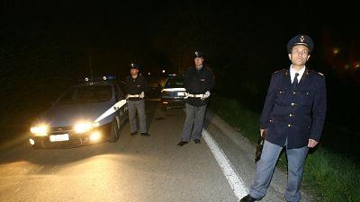 Inseguimento ladri,due poliziotti feriti