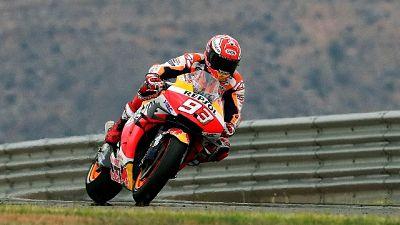 MotoGp: Marquez scappa e vince, Dovi 2/o