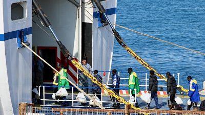 Migranti: 84 trasferiti da Lampedusa