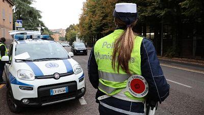 Ciclisti senza luci, multa e kit omaggio