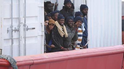 Migranti: dl sicurezza, via supermulte