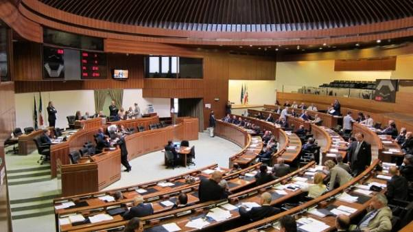 L.elettorale: ok Sardegna a referendum
