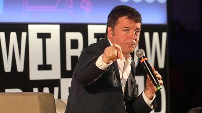 Renzi, dimezzare commissioni carte