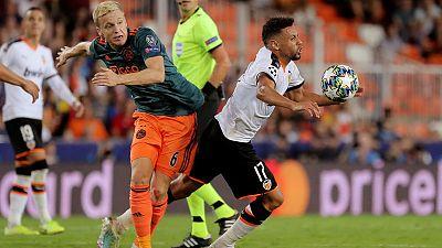 Van de Beek back in Dutch squad