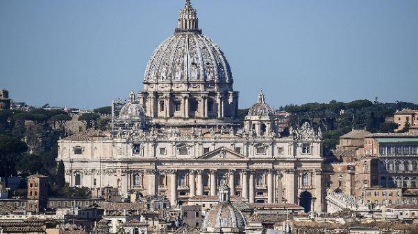 Messa a S.Pietro, giù frammenti soffitto