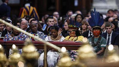 Papa, Chiesa eviti nuovi colonialismi