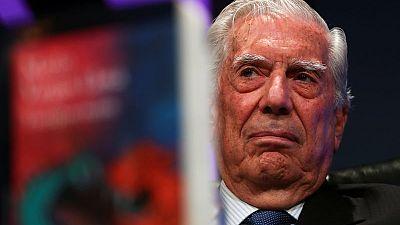 Writer Llosa roasts Peru's 'shameful' Congress, backs president