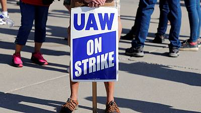 UAW union pushes GM to boost U.S. auto production