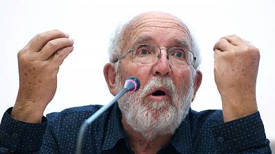 Nobel prize winner laments lack of money for young physicists