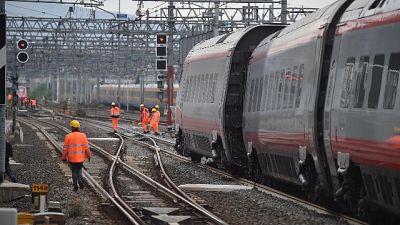 Guasto su Milano-Pescara, notte in treno