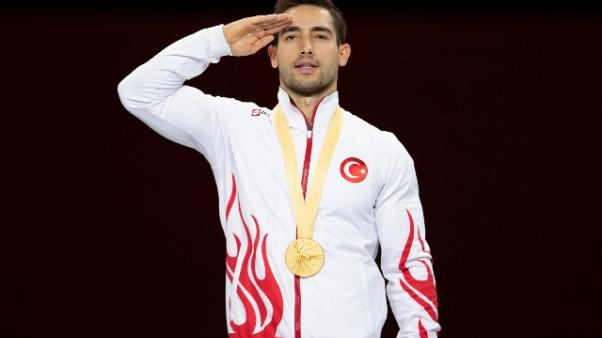Siria: anche ginnasta turco fa saluto