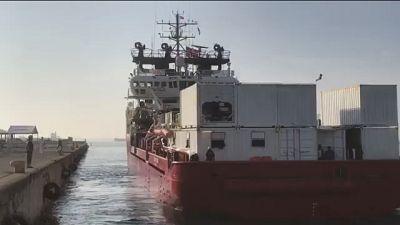 Migranti: nave Ocean Viking è a Taranto