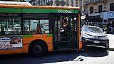 Scontro auto-bus, 6 feriti a Milano
