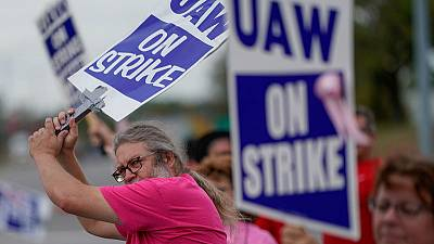 GM, UAW reach tentative deal to end strike