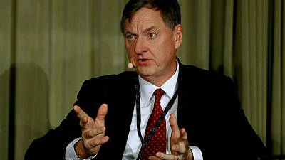 Fed's Evans says Fed should be 'aggressive' to counter low inflation in low rate world