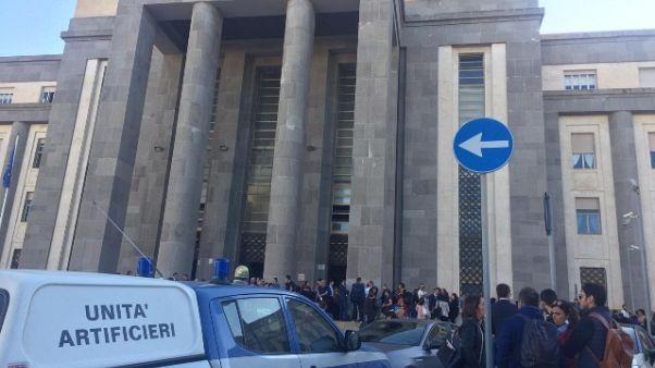 Allarme bomba al tribunale di Cagliari
