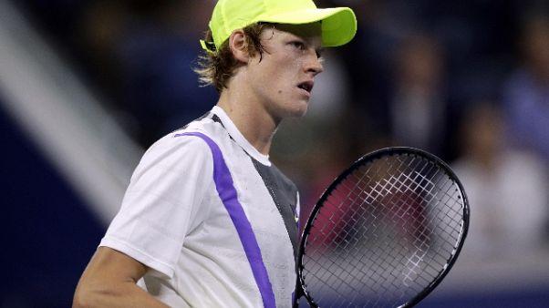 Tennis: impresa Sinner, batte Monfils