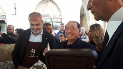 Berlusconi, giusto andare in piazza