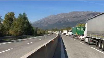Incidente su A25,coinvolti mezzi pesanti