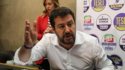 Salvini,in piazza fascisti e venusiani..