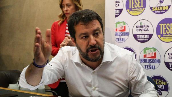 Salvini,in piazza fascisti e venusiani..