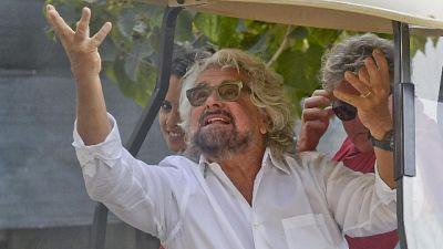Grillo provoca, togliamo voto ad anziani