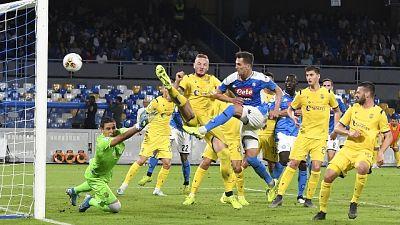 Calcio: Napoli-Verona 2-0