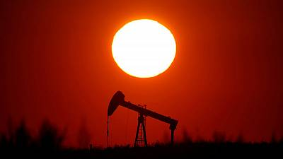 Oil prices fall 1% as global demand concerns grow