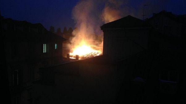 In fiamme Cavallerizza Reale a Torino
