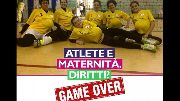 Governo: fondo 1 mln atlete in maternità