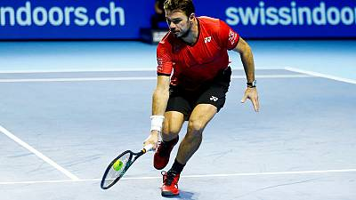 Wawrinka sets up quarter-final with fellow Swiss Federer