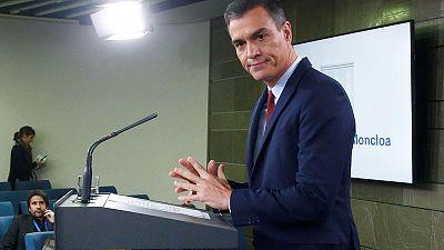 'Violent groups' looking to extend Catalan crisis - PM Sanchez