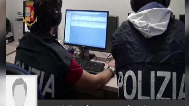 Polizia: circolare, cautela sui social