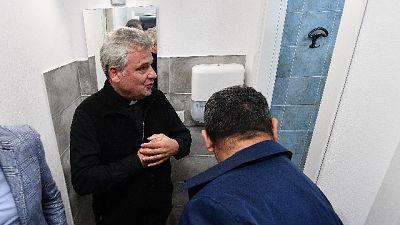 Inaugurata 'Lavanderia papa Francesco'