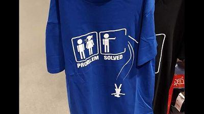 Carrefour ritira maglia pro femminicidi