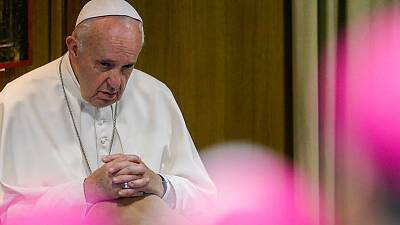Pope, ending synod, says will re-launch study of women deacons