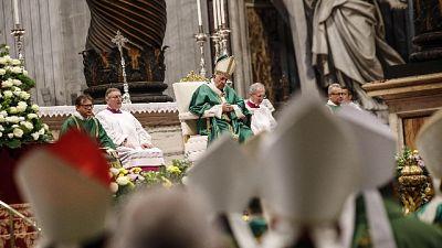 Papa, anche Chiesa a volte deride poveri