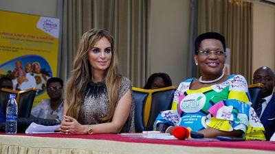 La Première Dame du Burundi lance une chanson pour contribuer à la campagne « Merck Plus Qu'une Mère » et briser la stigmatisation liée à l'infertilité