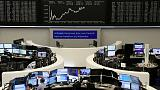 European shares take a pause, focus turns to earnings