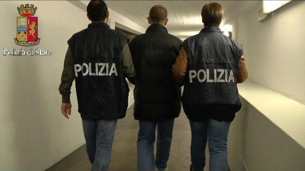 Trafficante parla, 8 arresti per droga